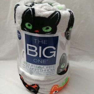 Halloween Cat Super Soft Plush Throw Blanket